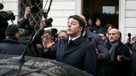 """Quirinale, Renzi telefona a Berlusconi: """"Urne se no a Mattarella, riforme anche da soli"""""""