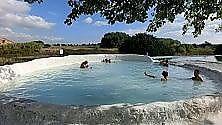 Bormio, Garda, Senese Un bagno alle Terme per spezzare il gelo    foto