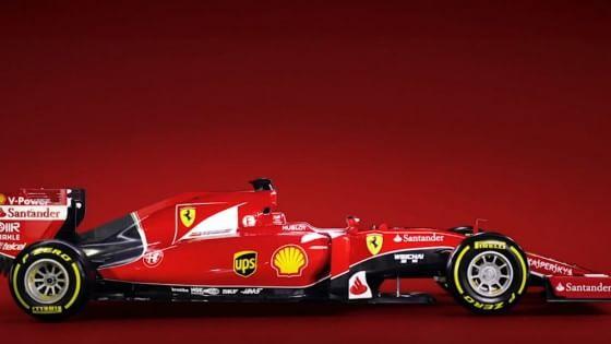 Giù il velo, ecco la SF15-T, la nuova Ferrari F1 col marchio Alfa sulla fiancata