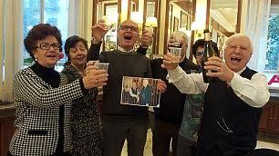 Mattarella, Palermo in festa gli amici brindano dal barbiere