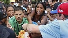 Venezuela, la crisi infinita ha svuotato i mercati   foto   Code e proteste di piazza