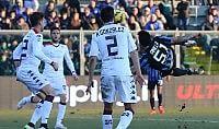 Magia di Pinilla, vince l'Atalanta Il Cagliari si arrende all'ex   foto