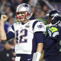 Nfl, il Super Bowl ai Patriots all'ultimo respiro. Brady batte il record del suo idolo Montana