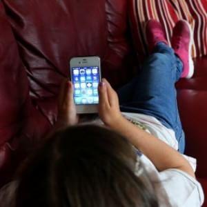 """""""No a tablet e smartphone per calmare i bimbi"""""""