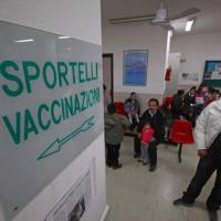 Oms richiama l'Italia: netto calo delle vaccinazioni obbligatorie a bimbi