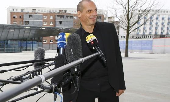 """Varoufakis da Draghi: """"Incoraggiato"""". Tsipras: """"Lavoriamo per accordo accettabile"""""""