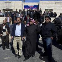 """Mondo arabo contro Is: """"Terroristi che vanno crocifissi"""". Fonti curde: bombardata Mosul"""