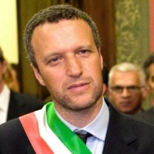 """La Lega si spacca sulle unioni civili. Salvini boccia Tosi: """"Priorità dei sindaci siano altre"""""""