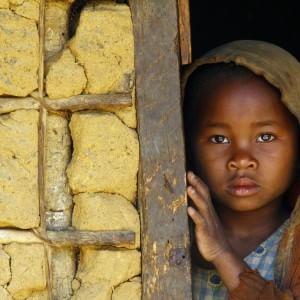 Mutilazioni genitali femminili, un crimine che avvelena la vita di 100 milioni di donne nel mondo