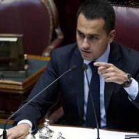 """M5S, Di Maio: """"Renzi e Alfano verranno in Campania? Sapremo come accoglierli. Via a calci"""""""