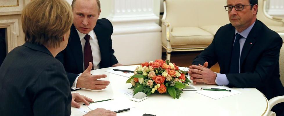 """Ucraina, 24 ore per un ultimo accordo. Hollande: """"Senza intesa, c'è solo la guerra"""""""