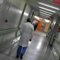 """Epatite C, primo ricorso contro linee guida Aifa. Tre malati: """"Subito anche a noi e a..."""