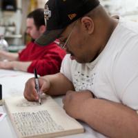San Francisco, il pittore disabile conquista il mondo dell'arte