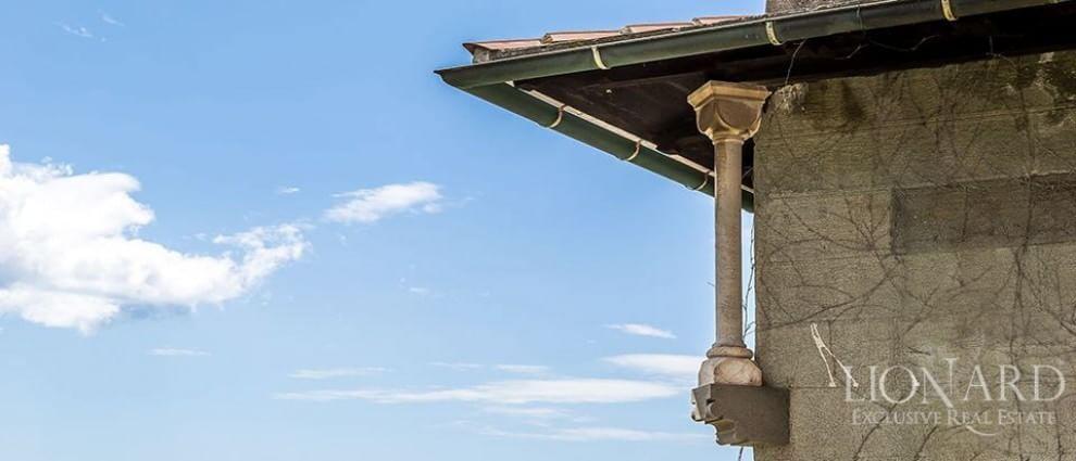 Fiabe per ricchi in italia il castello in vendita for Piani di cabina di 800 piedi quadrati