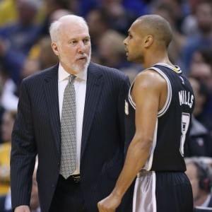 Basket, Nba: Belinelli lancia Popovich nella storia, successo n.1000 per il tecnico