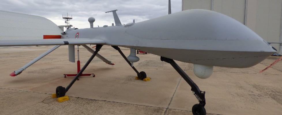 """Predator, i droni italiani. Viaggio nella base di Amendola, dove osano le """"Streghe"""""""