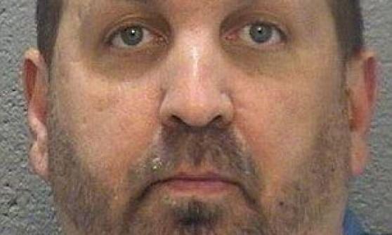 """Usa, uomo spara e uccide tre universitari musulmani. Su Fb si descriveva """"ateo estremista"""""""