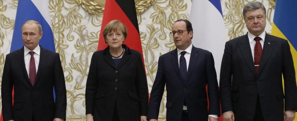 """Maratona al vertice di Minsk. Putin: """"Raggiunto accordo per il cessate il fuoco"""""""