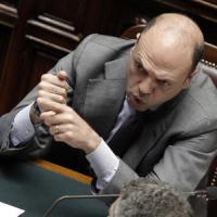 """Strage di migranti, Alfano: """"Riferiremo al Parlamento, ma forse non compete a me"""""""