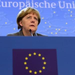 """Stürmer: """"La Merkel, nelle grandi crisi internazionali, ormai è diventata insostituibile"""""""