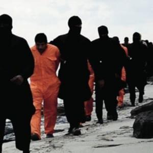 Caos in Libia, ambasciata chiusa e italiani rimpatriati. Video dell'Is con decapitazioni e minacce al nostro Paese