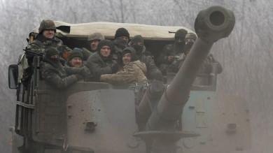 """Ucraina, si combatte a Debaltsevo Poroshenko: """"A rischio pace nel mondo"""""""