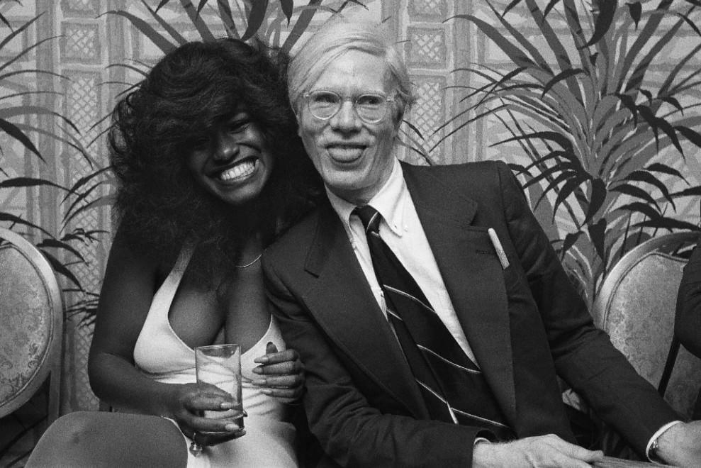 Studio 54, i tre anni che sconvolsero N.Y: da Andy Warhol a Truman Capote