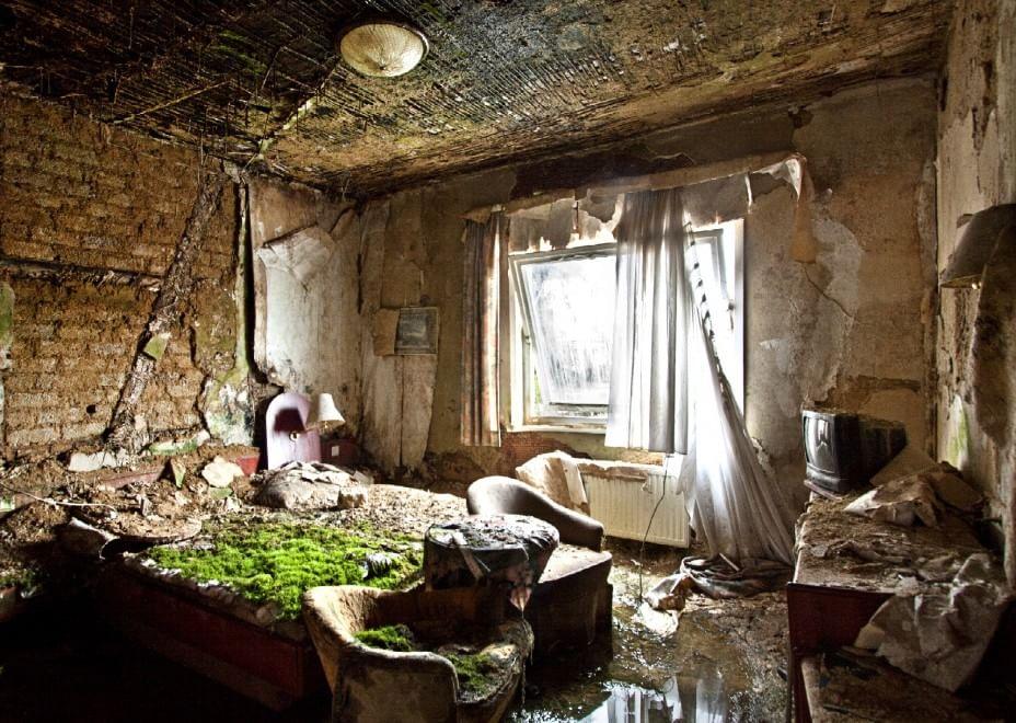 L 39 incanto della desolazione viaggio nei luoghi for Case che sembrano castelli