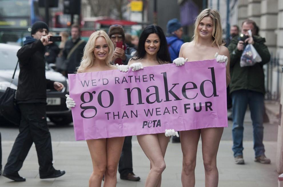 """Londra, """"Meglio nude che con la pelliccia"""": la protesta della Peta - la  Repubblica"""