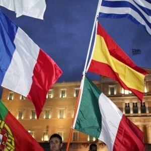 Dietrofront degli italiani, ora sono i più euroscettici