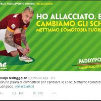 """""""#allacciamoli"""", verso Roma-Juventus Nainggolan e Chiellini insieme contro l'omofobia nello sport"""