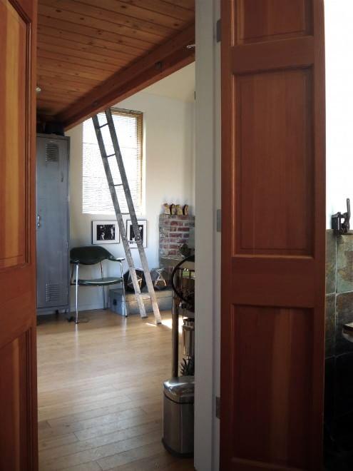 Piccola con stile la mini casa in un vecchio garage for Stile piccola casa
