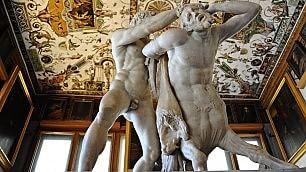 Uffizi, restaurata 'Ercole e Nesso' il benvenuto del museo dal 1595   Leggi  Recupero geniale, nel'500