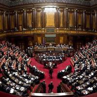 """Corruzione: pena sale fino a 10 anni. Renzi: """"Contro malaffare è la volta buona"""". Ma è..."""