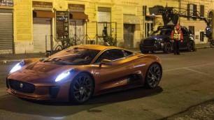007: nuovo set notturno a Roma,  ma senza Bond-Daniel Craig   Le foto di un lettore   /   derapata