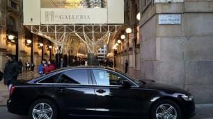 Sosta vietata in Galleria per l'auto diplomatica
