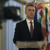 """Stoltenberg: """"Putin deve fermarsi, basta armi ai ribelli e rispetti i patti con Kiev"""""""
