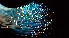 Operatori rilanciano fibra ottica: giù i costi mensili