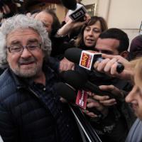 """Grillo a Renzi: """"Parlare con me della Rai? Senta prima Santoro e Luttazzi. E Berlusconi"""""""