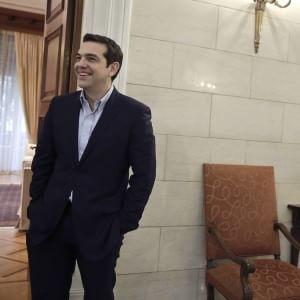 Tsipras sfida la Troika: luce gratis e cibo a 300mila famiglie povere