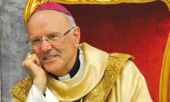 """Papa Francesco contro la """"prostituzione"""" delle cooperative: """"Denaro è sterco del diavolo"""""""
