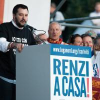 "Salvini in piazza a Roma: ""Renzi servo sciocco"""