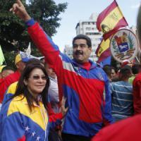 Venezuela, offensiva di Maduro contro gli Usa. Visto obbligatorio per turisti e ...