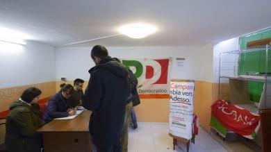 Primarie Campania, sfida dell'affluenza 75 mila votanti alle 17 -    immagini