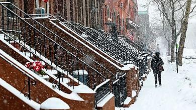 Usa: nuova tempesta di neve  cancellati centinaia voli a New York