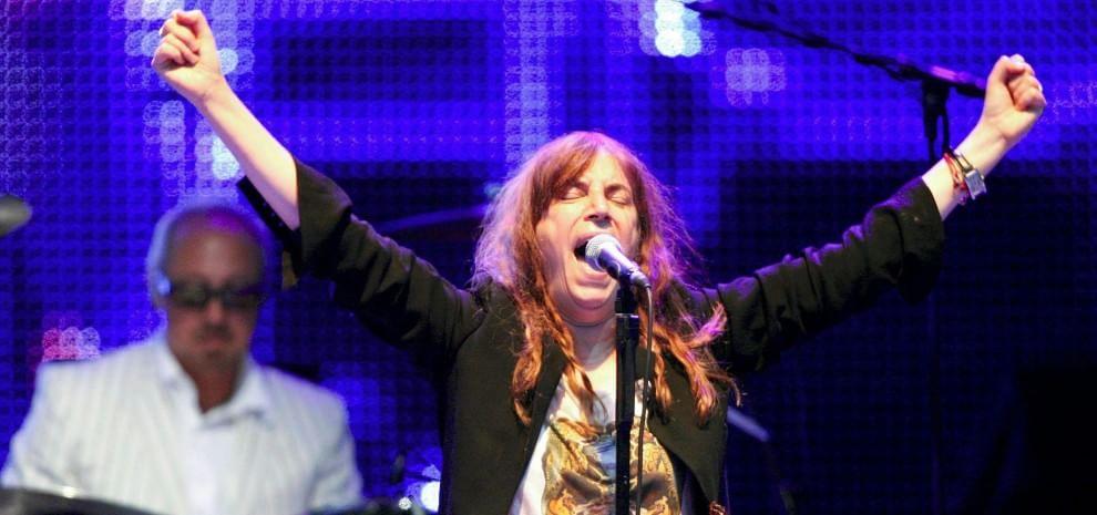 """Patti Smith, """"Horses"""" ha quarant'anni. Il compleanno si festeggia sul palco"""