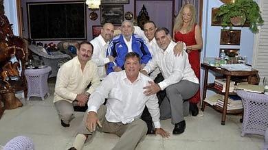 Cuba, Fidel Castro incontra i 5 agenti liberati dagli Usa  Le immagini