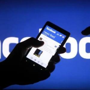 Facebook, Zuckerberg negli Usa lancia tasto per prevenire i suicidi