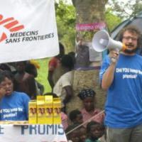 Mozambico, torna il colera nelle baraccopoli lungo un fiume dove i servizi igienici sono solo immaginati