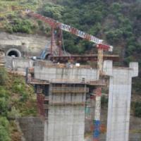 Cosenza, crolla viadotto: operaio di 25 anni muore precipitando da ottanta metri